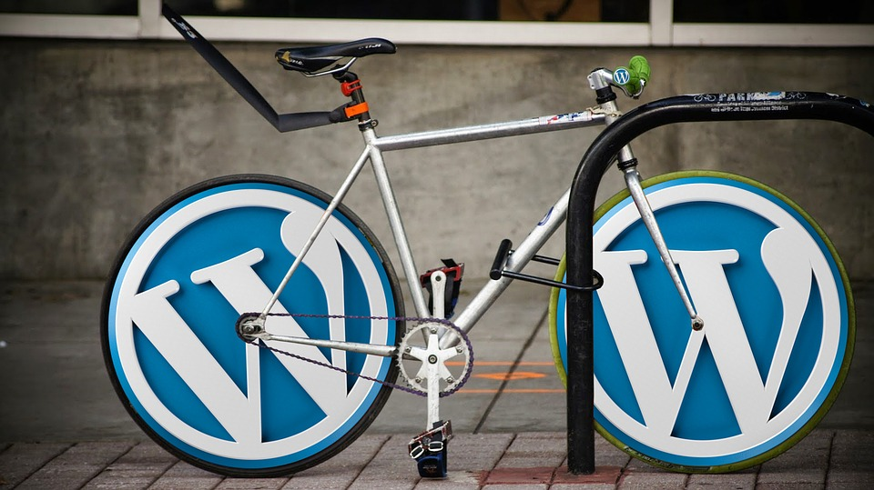 WordPress 底部悬浮窗口插件,可放置表单,广告,自定义HTML